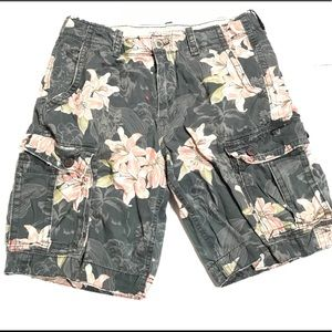 American Eagle Outfitters Men's Floral Cargo short